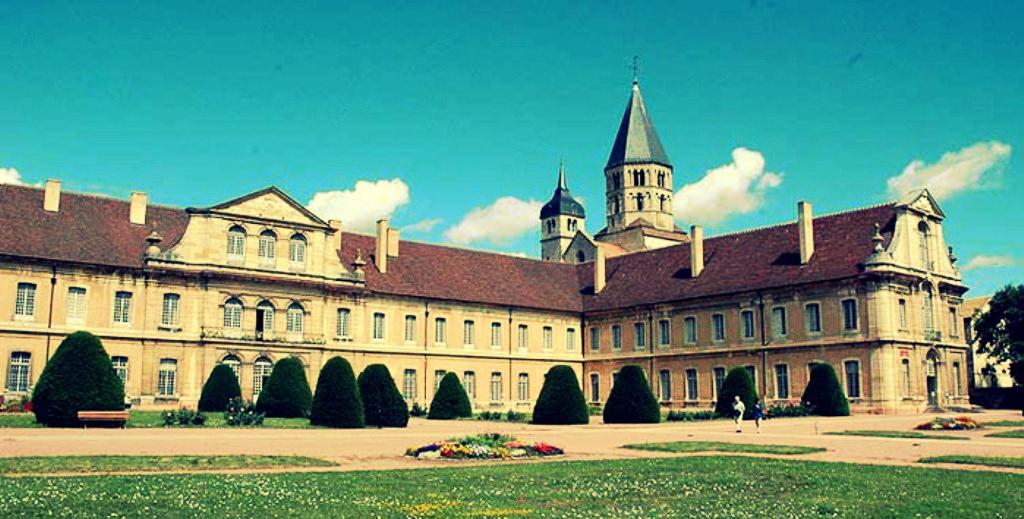 Церковь аббатства Клюни