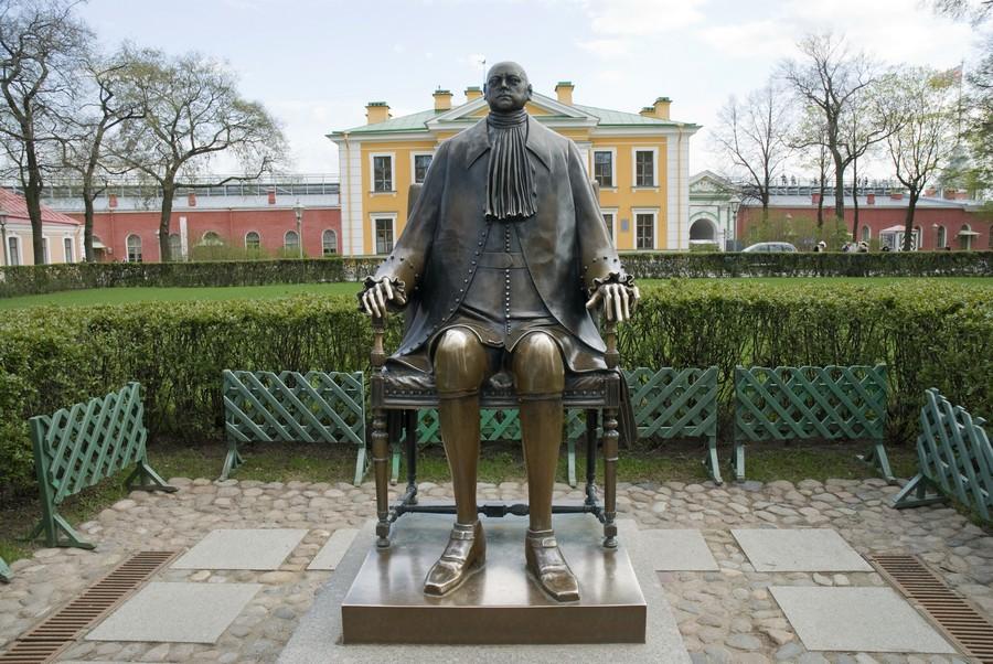 Памятник Петру 1 90е гг