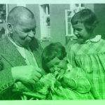 Семья — это общество в миниатюре, от целостности которого зависит безопасность всего большого человеческого общества. (Ф. Адлер)